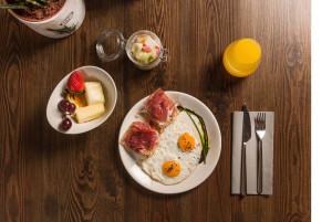 inbound-marketing-posada-terra-santa-desayuno-thankium-agencia-publicidad
